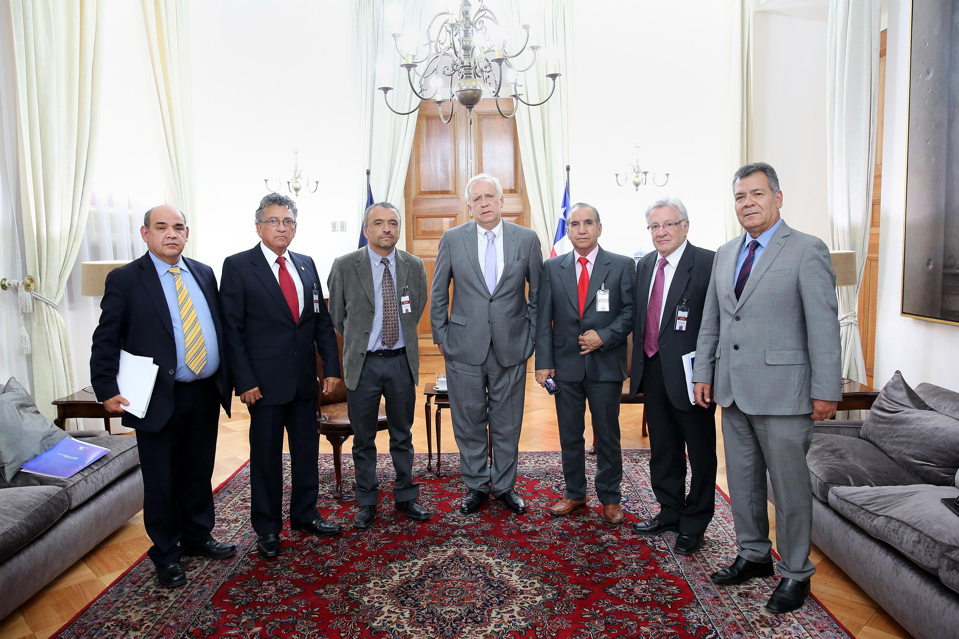 Arica pidi a ministro del interior administrar zona for Agenda ministro del interior